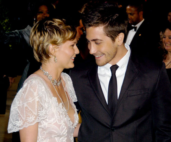 Kirsten Dunst and Jake Gyllenhaal stuck close at the 2004 Vanity Fair Oscar party in LA.