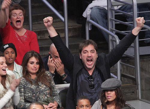 Pictures of Penelope Cruz, Javier Bardem, Cameron Diaz, Kanye West and More at Lakers Game on Christmas 2010-12-26 09:46:28