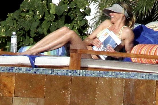 Bikini-Clad Cameron Diaz Bonds With A-Rod's Kids on Vacation