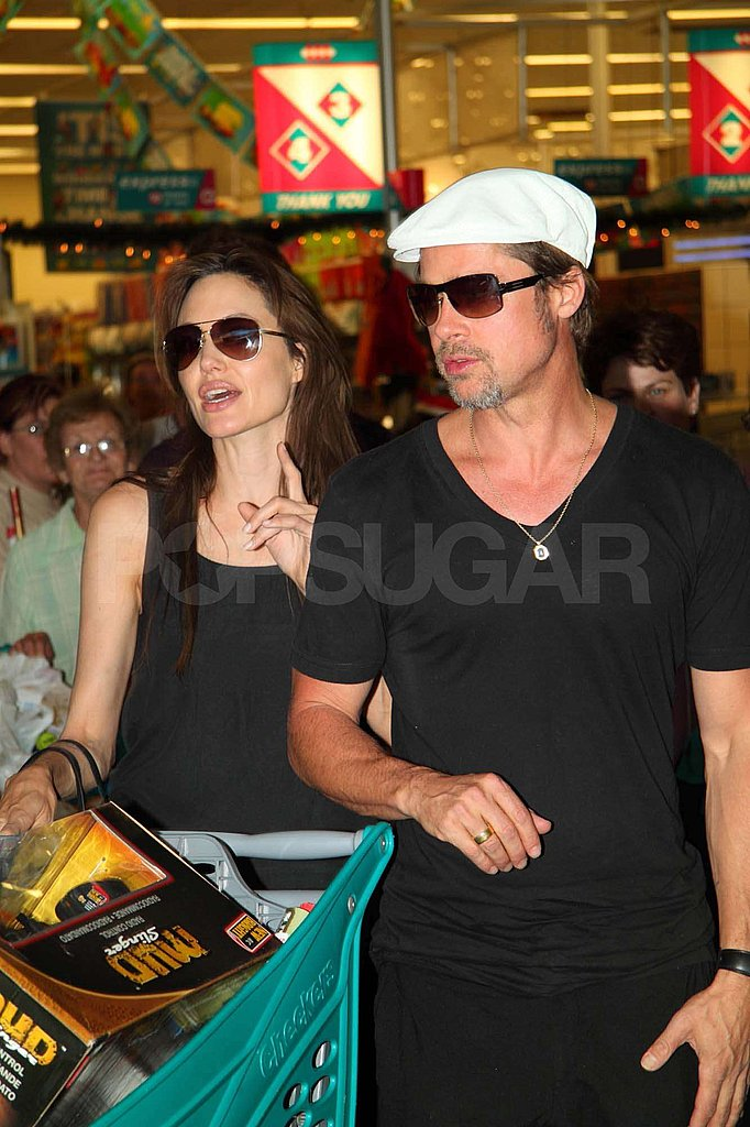 Pictures of Angelina Jolie and Brad Pitt in Namibia for Christmas