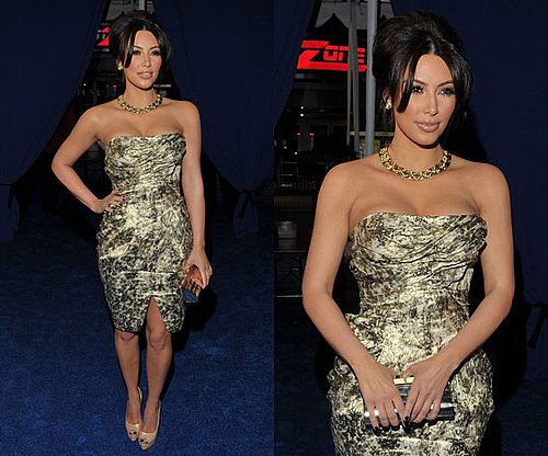 Kim Kardashian goes for gold at the 2011 People's Choice Awards