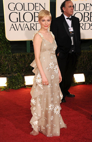 Pictures of Michelle Williams at the 2011 Golden Globes