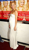 A pregnent Kate Hudson glowed in white in August '03.