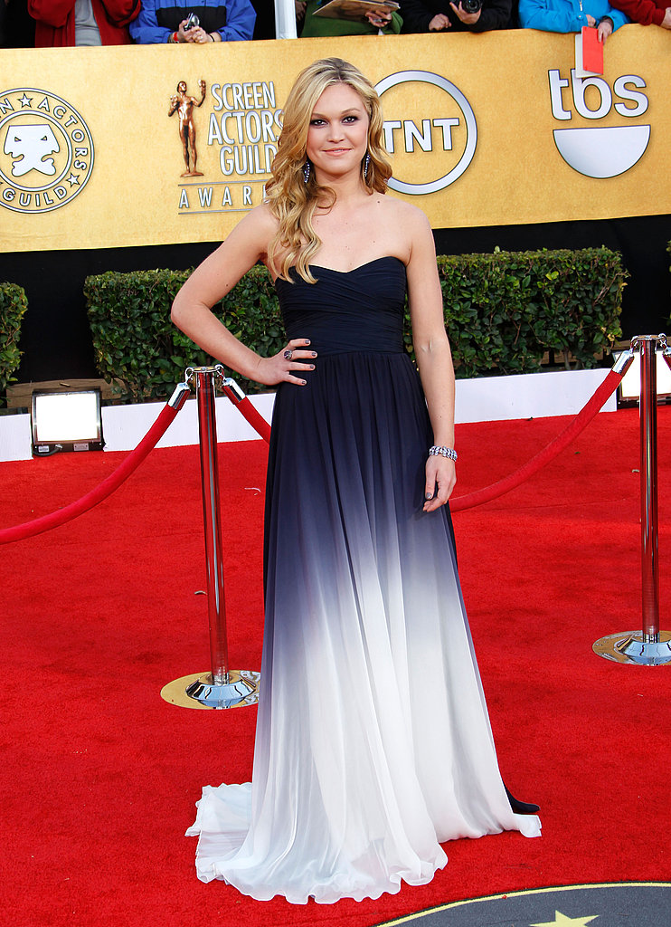 Julia Stiles went the artsy route with a navy and white ombré gown.