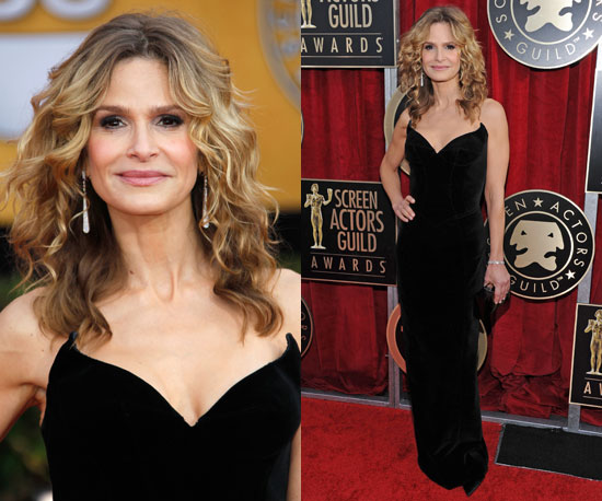 Kyra Sedgwick in Thierry Mugler at SAG Awards 2011 2011-01-30 16:45:05