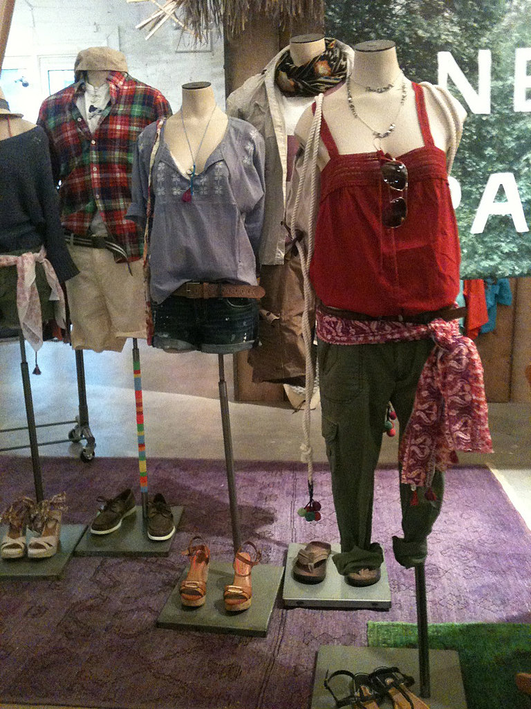 Perfect summer outfits– soft- tops, rugged bottoms, and colorful accessories– marked the AE summer preview.