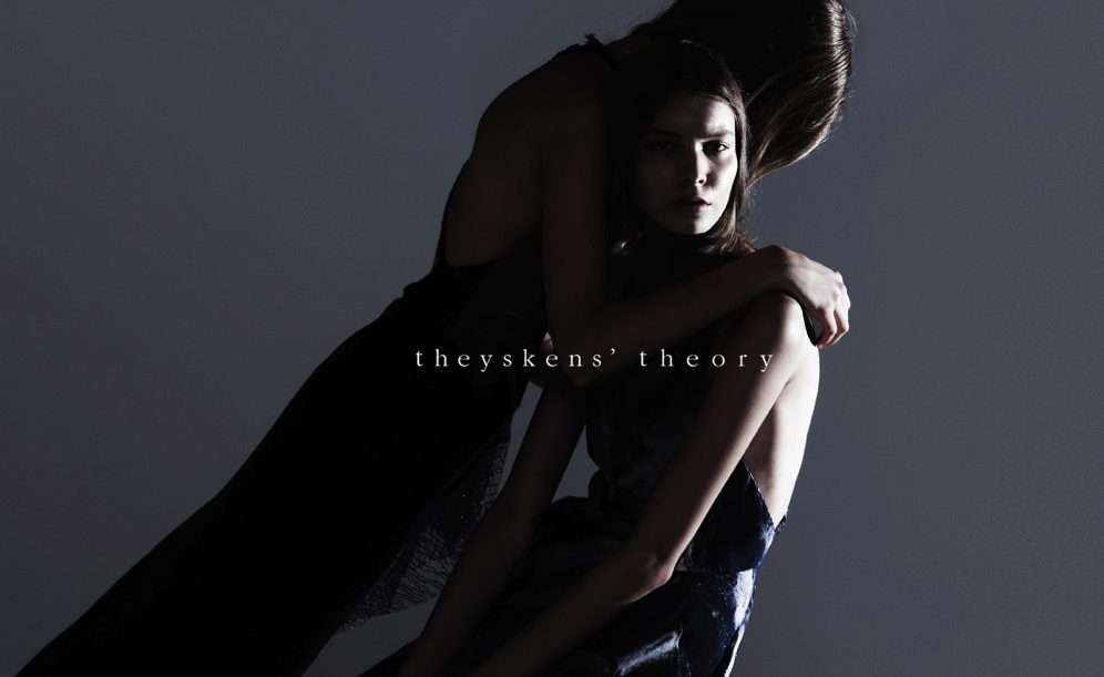 Theyskens's Theory Collection Is Now Available Online