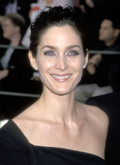 Carrie-Anne Moss, 2000