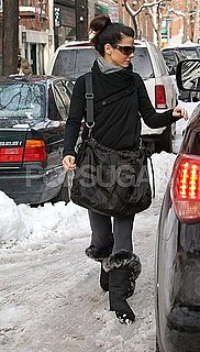Pictures of Sandra Bullock in the Snow in New York 2011-01-29 09:04:00