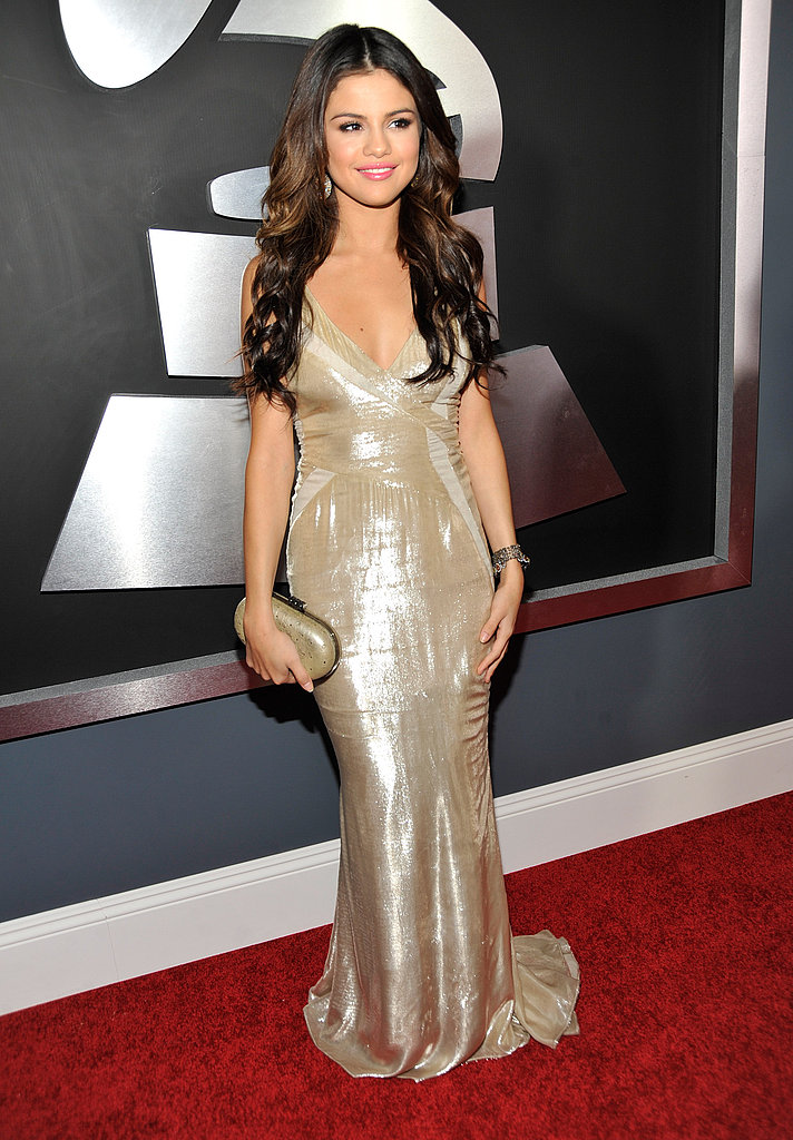 of selena gomez on the red carpet at the 2011 grammy awards 2011