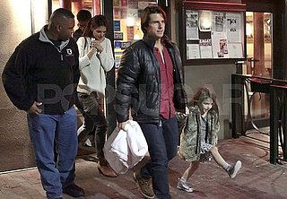 Pictures of Tom Cruise and Katie Holmes With Suri at Dinner in Vancouver