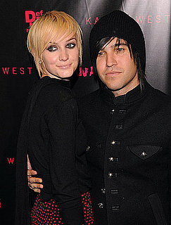Ashlee Simpson Files For Divorce From Pete Wentz 2011-02-09 08:58:59