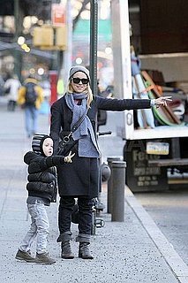 Pictures of Naomi Watts and Sasha Schreiber Hailing a Cab in NYC