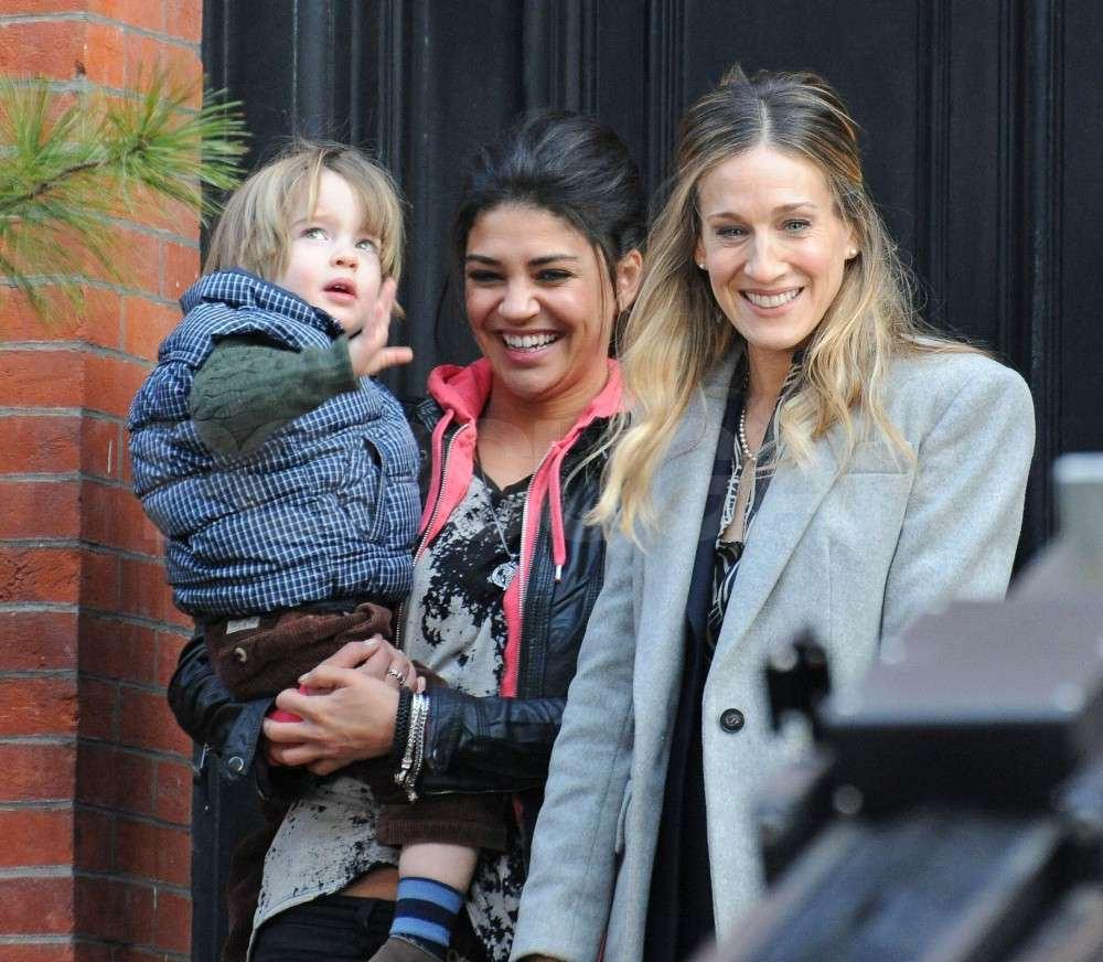 Pictures of Sarah Jessica Parker and Jessica Szohr on the Set of I Don't Know How She Does it in NYC