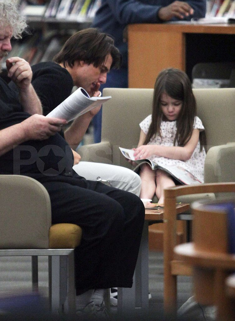Aw — Suri and Tom Cruise Check Out Picture Books at the Vancouver Library