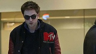 Video of Robert Pattinson Arriving in Vancouver