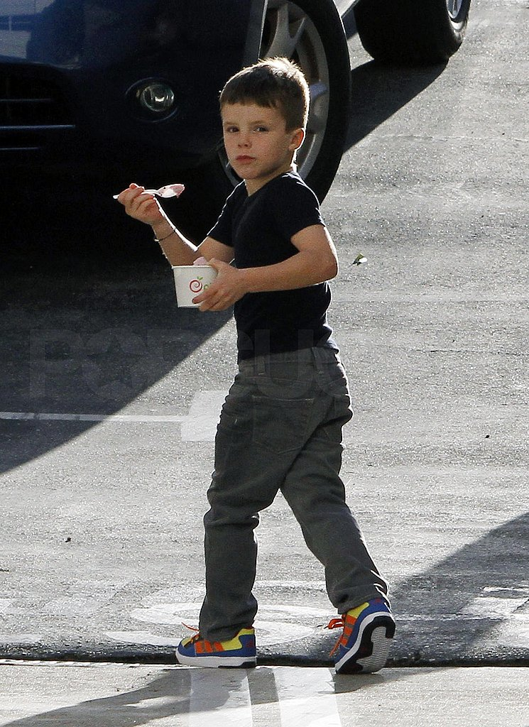 David Beckham Stops For a Treat With Cruz, Romeo, and Brooklyn