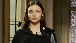 Video of Miranda Kerr on Balenciaga Runway Post Baby