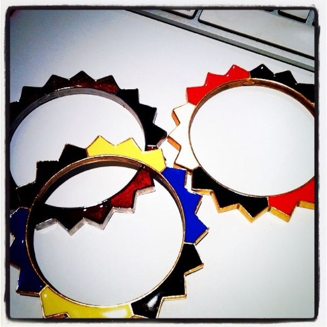 Some gorgeous bangles (and under $US500!) Twitpic User: OscarPRGirl