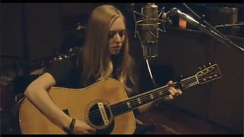 "Amanda Seyfried Sings ""Lil Red Riding Hood"""