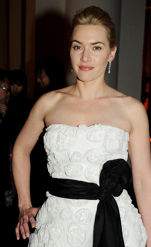Kate Winslet Donates Her Dress as Her Mildred Pierce Debut Approaches