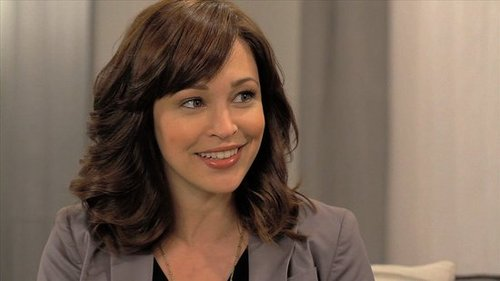 Video: Autumn Reeser Talks No Ordinary Family, Her Happy Baby News, Twitter, and American Idol!