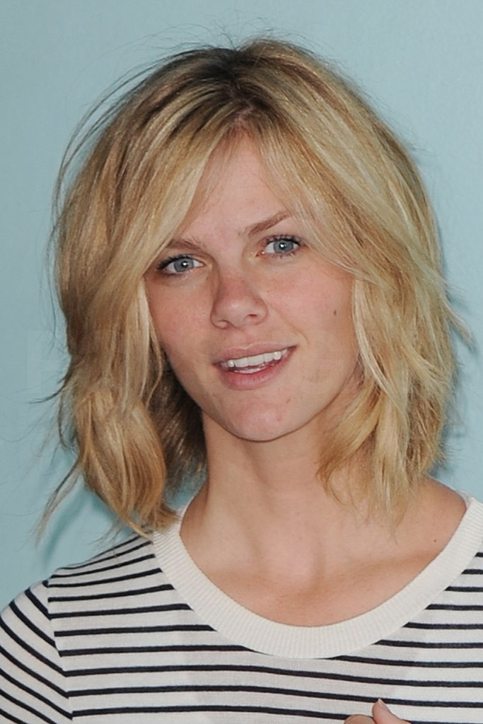 Brooklyn Decker Shows Off Her New Miami Haircut!