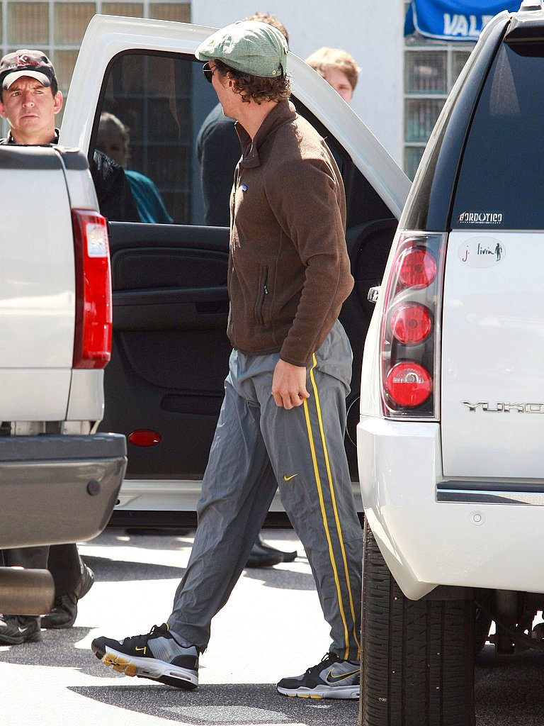 Matthew McConaughey Casually Pops Into a Santa Monica Studio