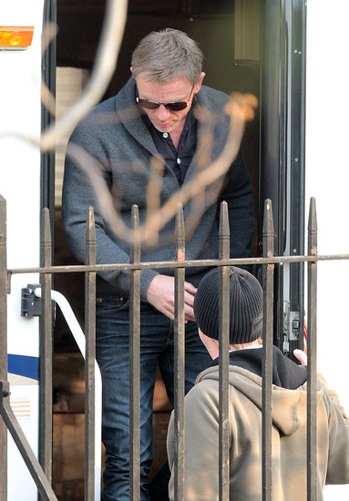Rachel Weisz Visits Daniel Craig and Rooney Mara on the Set of The Girl With the Dragon Tattoo!