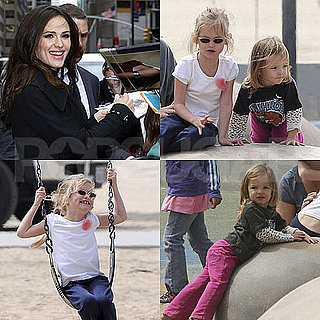 Pictures of Jennifer Garner in NYC and Violet and Seraphina at Park