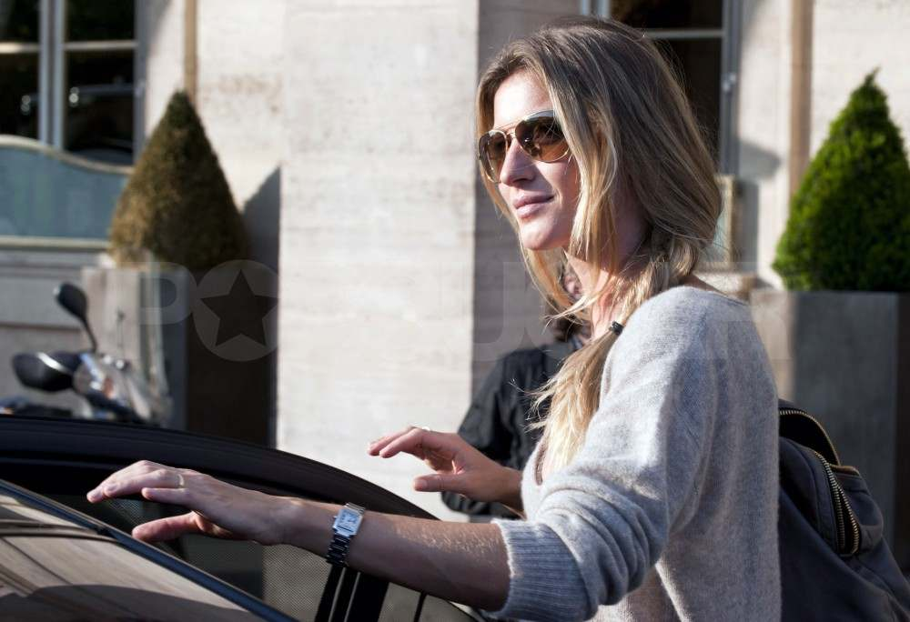 Gisele Bundchen High Heels It Around Paris