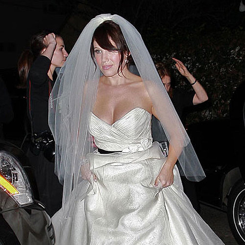 Marla Sokoloff wore white to her November 2009 nuptials at Il Cielo in LA.