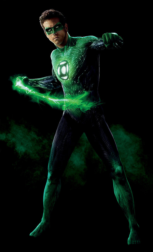 See Ryan Reynolds Fully Suited Up as Green Lantern