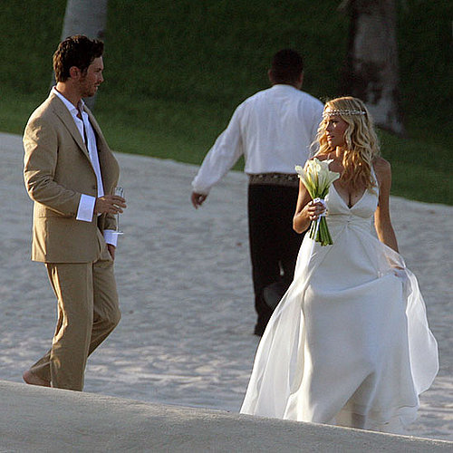 Oliver Hudson and Erinn Bartlett escaped to Cabo San Lucas in Baja California for their June 2006 wedding.