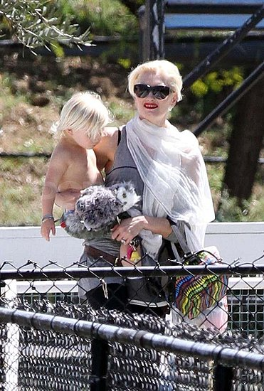 Gwen Stefani Soaks Up the Sunshine With Kingston and Zuma