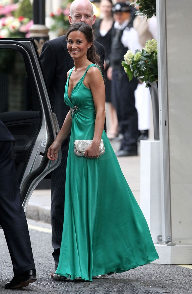 Pippa Middleton Steps Out in Green For the Royal Wedding Dinner!
