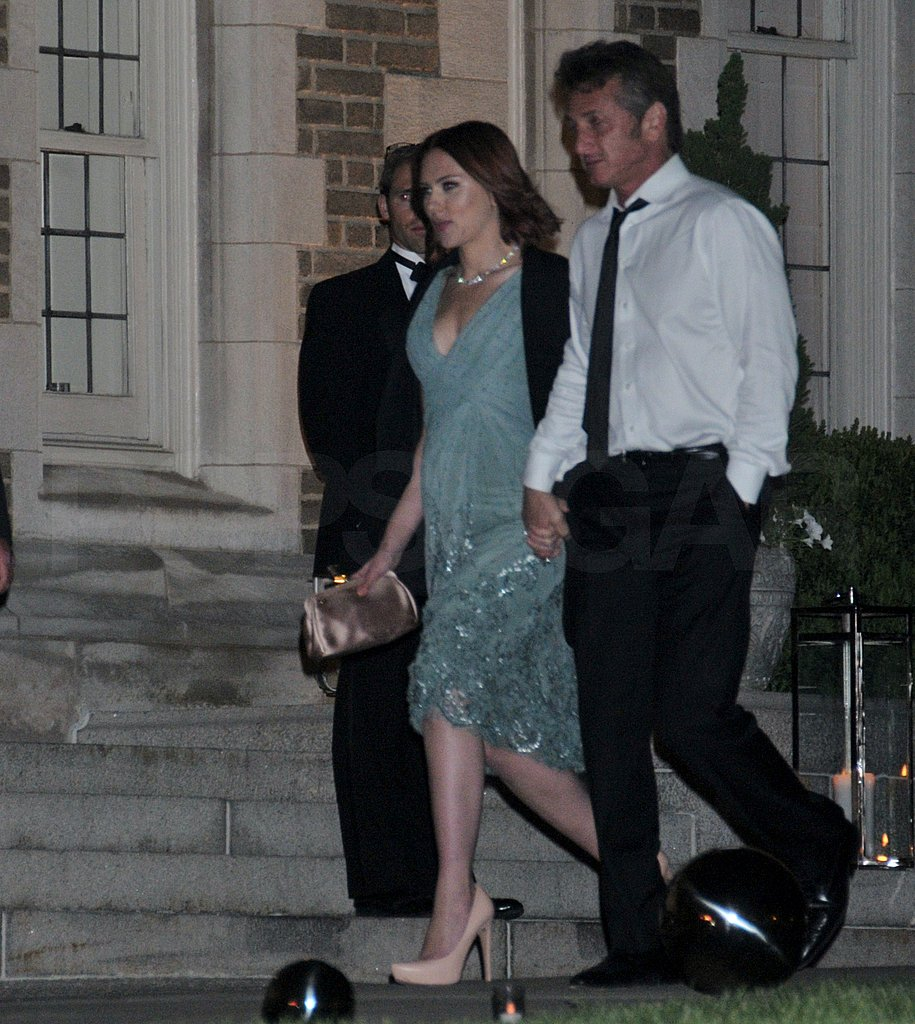 Scarlett Johansson and Sean Penn Hold Hands After the Correspondents' Dinner