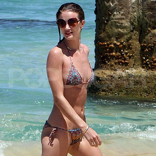 Rosie Huntington-Whiteley Bikini Pictures