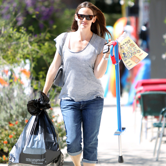 Picture of Jennifer Garner With Pogo Stick For Kids