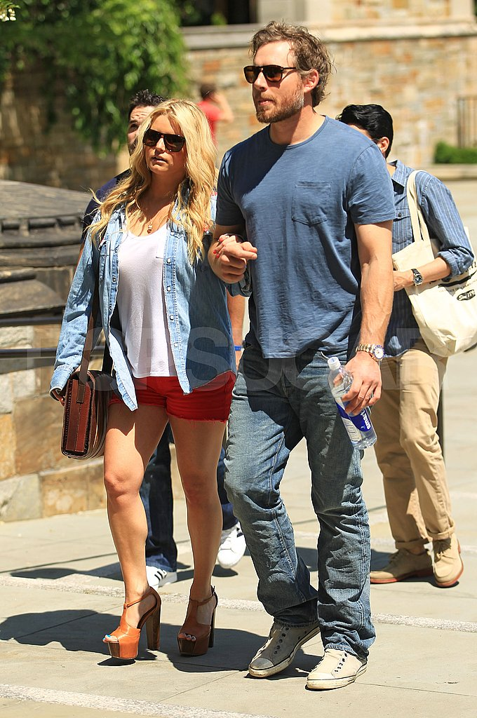 Jessica Simpson and Jessica Alba Head to New Haven For Eric and Cash's 10-Year Yale Reunion