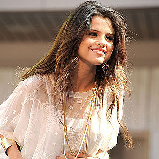 Selena Gomez Pictures Performing in LA