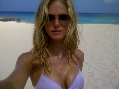 While shooting a Victoria's Secret campaign in Turks and Caicos, Erin Heatherton snapped a pic of herself with a gorgeous beach backdrop.