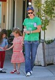 Jennifer Garner and Violet Greet the Holiday Weekend With Lemonade