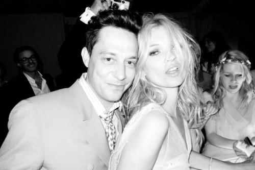See Photos Inside Kate Moss and Jamie Hince's Wedding — Jude Law, Kelly Osbourne, and More!