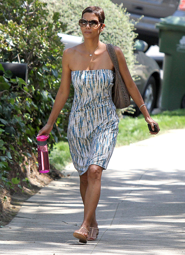 Halle Berry wore summery sandals with her strapless dress.