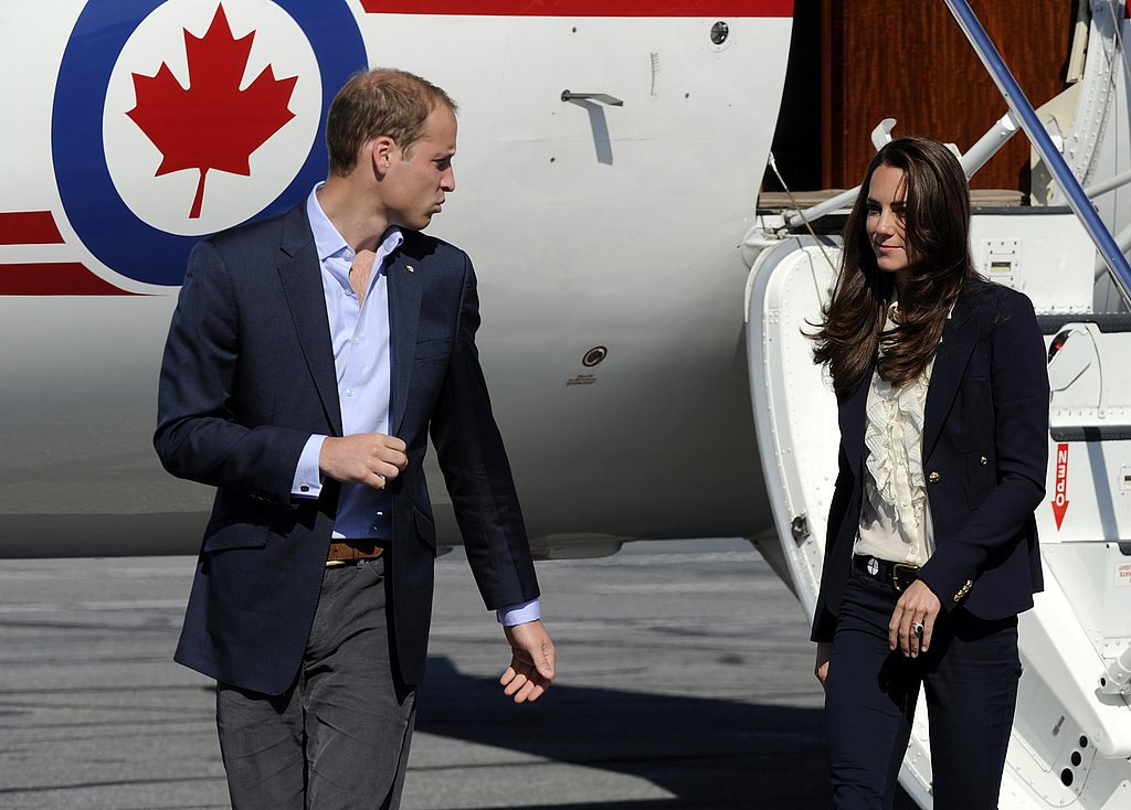 Prince William and Kate Middleton arrive by airplane in Yellowknife.