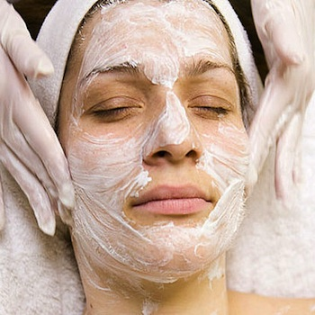 65 deep cleaning facial and seaweed mask at lia schorr day spa 130