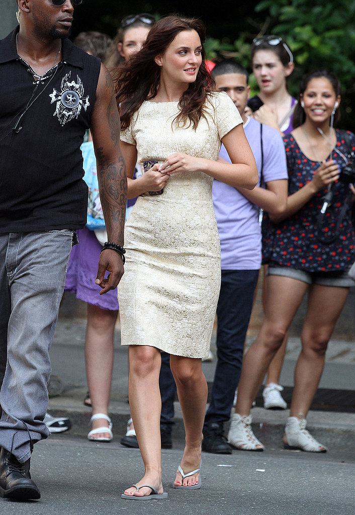Leighton Meester wore flip-flops between scenes.