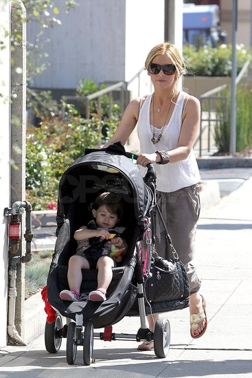 Sarah Michelle Gellar and Charlotte Prinze took a walk around LA.