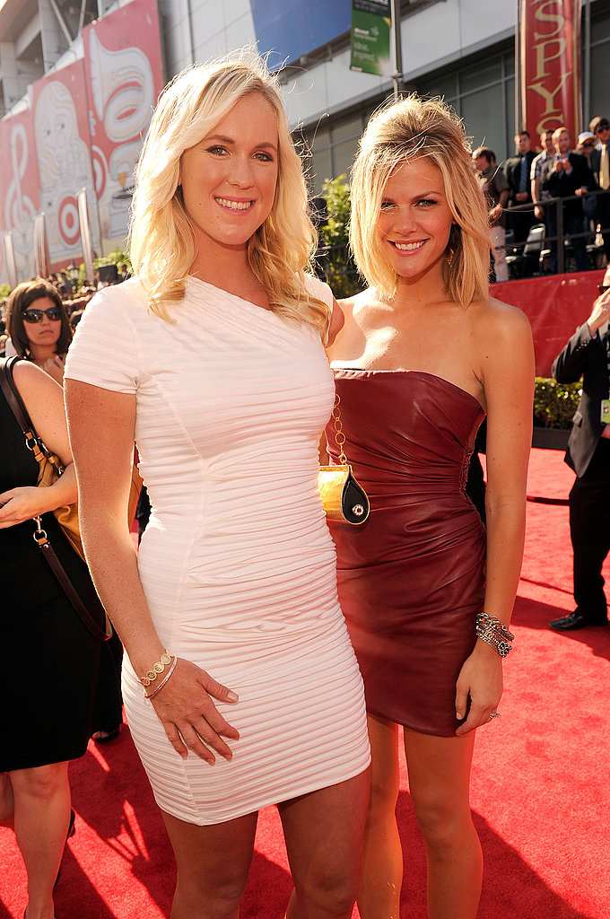 Brooklyn Decker posed for a photo with surfer Bethany Hamilton.
